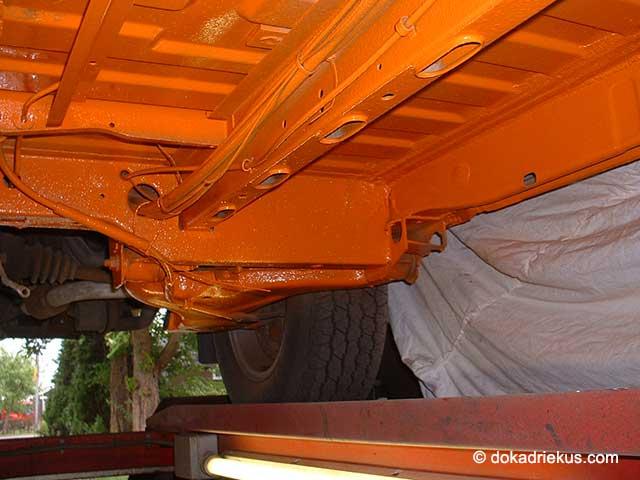 Het chassis van mijn T3 doka is gespoten en van was voorzien