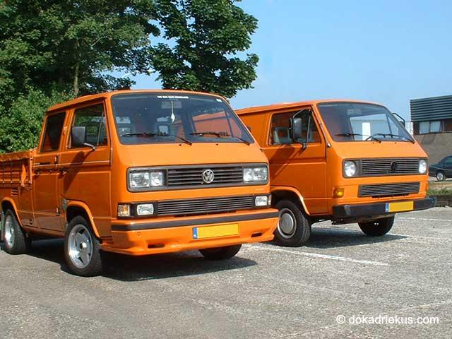 T3 pick-up en bestelbus naast elkaar