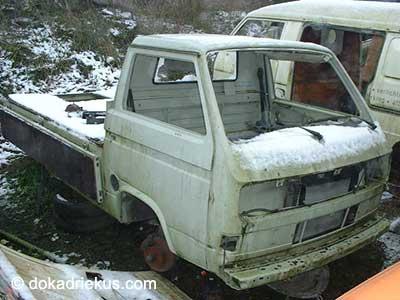 Witte VW T3 pick-up op autosloperij