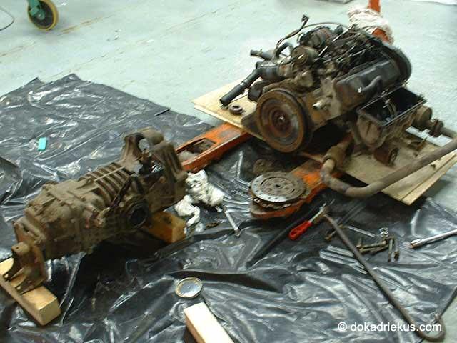 Het oude T3 motorblok met de versnellingsbak