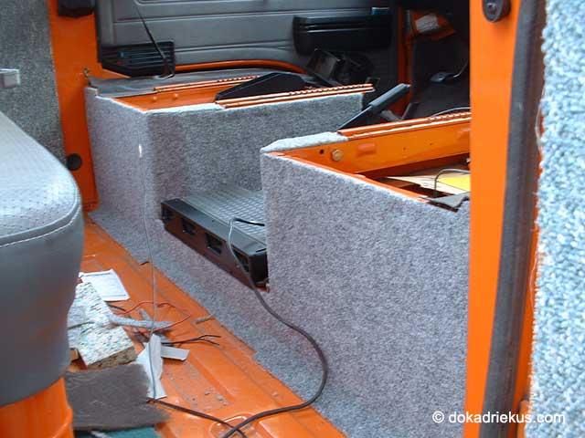 De stoelbakken van de T3 doka zijn met tapijt bekleed