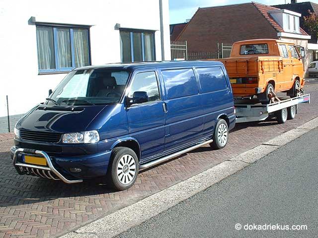 VW T4 met T3 op autotransporter