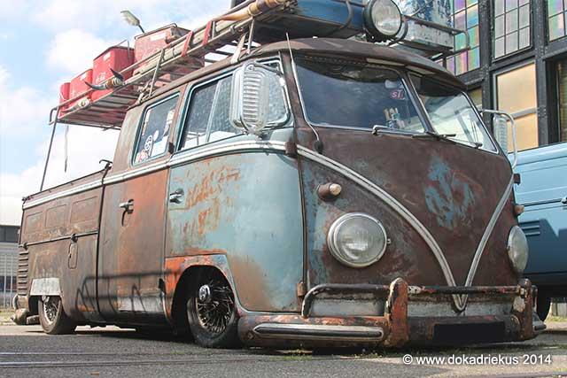 Extreem verlaagde VW T1 doka in ratlook