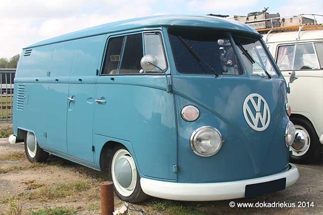 VW T1 panelvan in de kleur doveblue