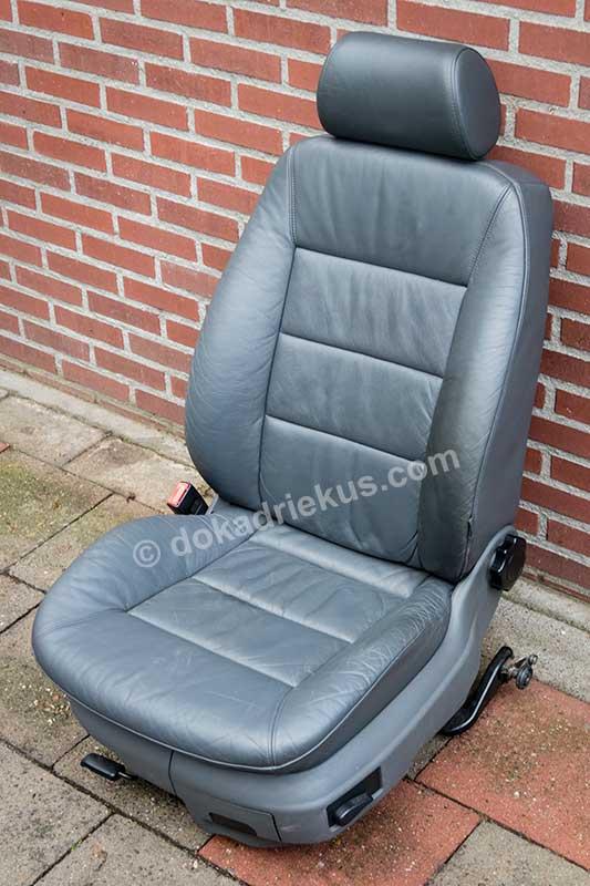 De leren Audi A6 autostoel nadat het leer is gereinigd en behandeld